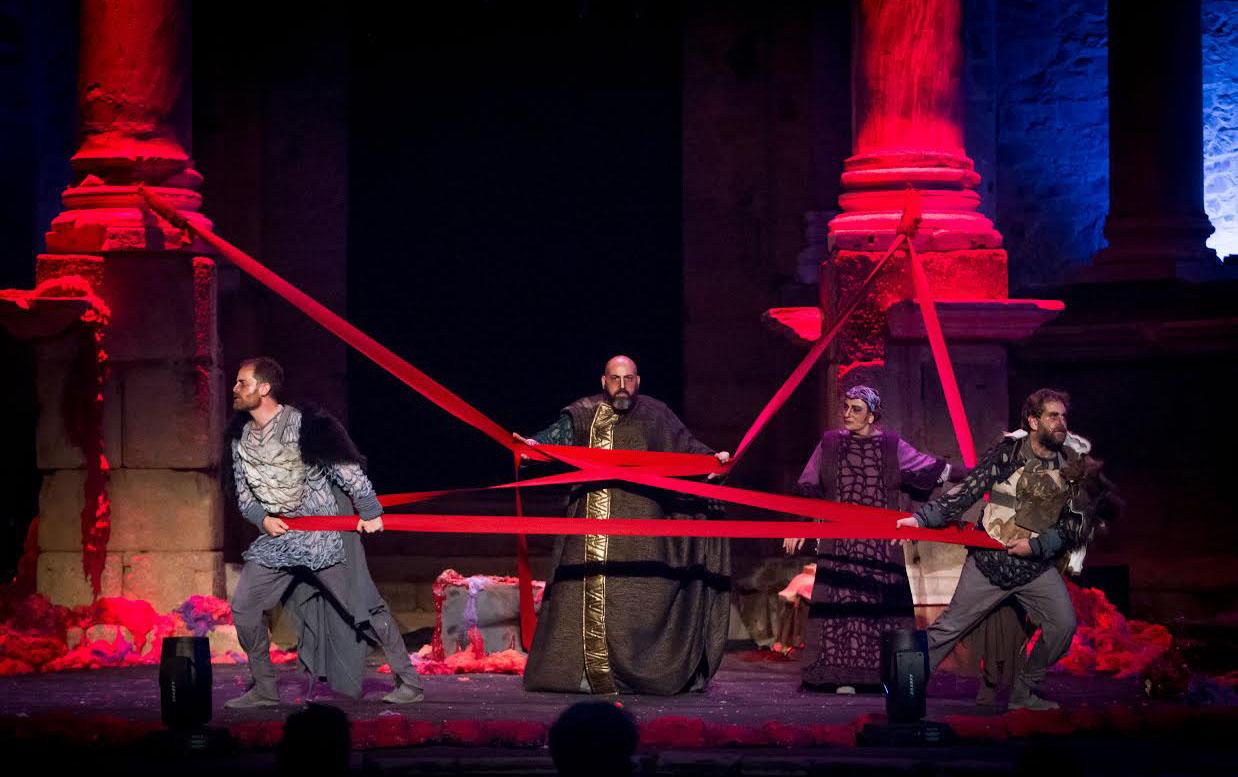 Teatro: \'El cerco de Numancia\' en el Teatro Bellas Artes - Butaca de ...