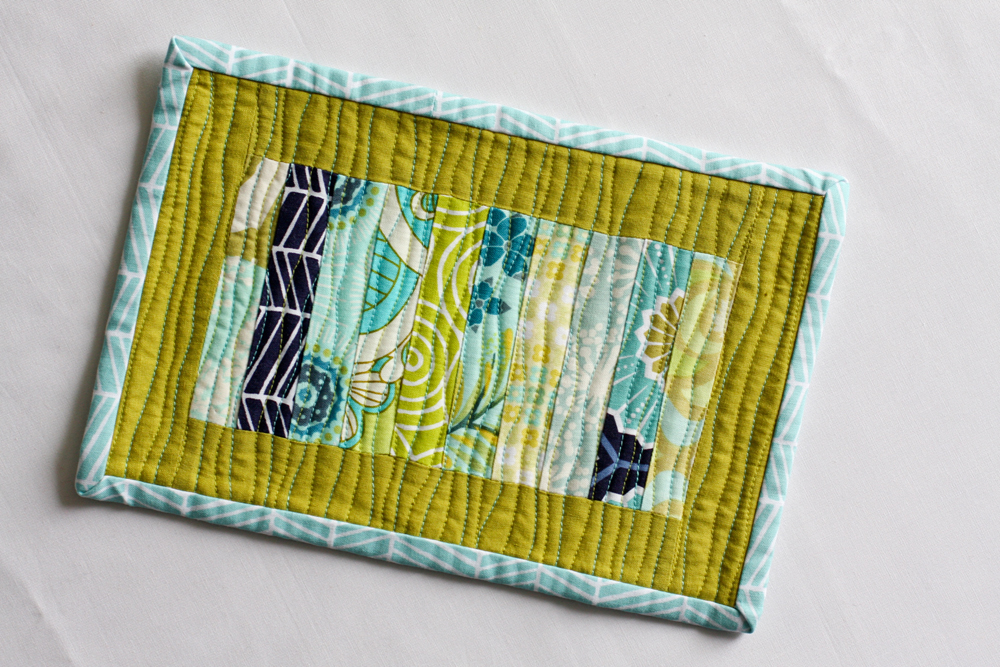 https://www.incolororder.com/2011/03/scrappy-stack-mug-rug-tutorial.html