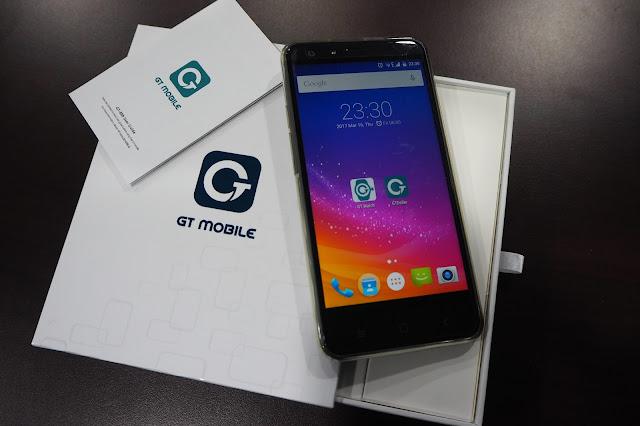 Telefon Pintar GT Mobile Model GT-888