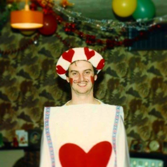 A fool dressed as a playing card