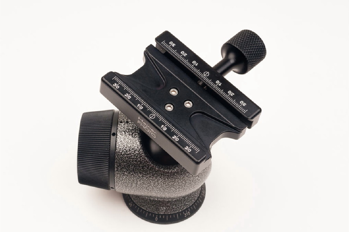 Hejnar PHOTO F-GH2780QR QR Clamp on Gitzo GH2780QR Ball Head - top