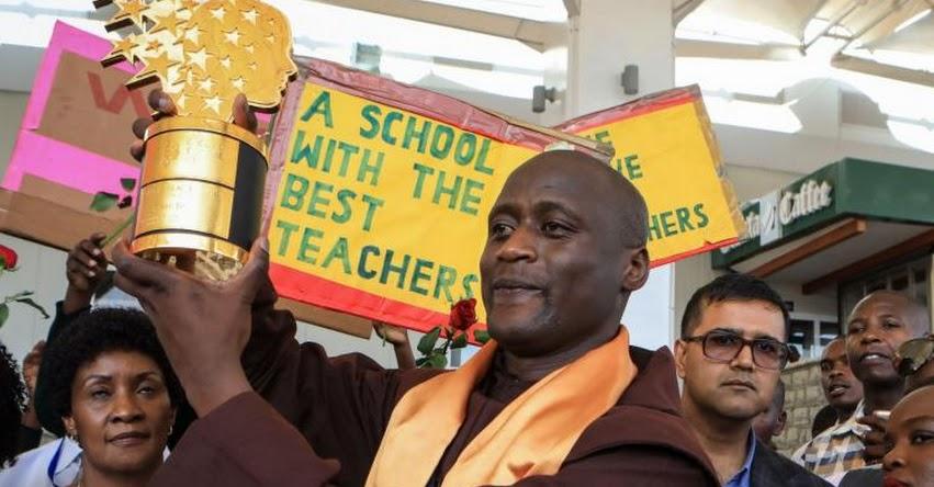 Un maestro de un pueblo remoto de Kenia, es el mejor profesor del mundo tras ganar el galardón Global Teacher Prize 2019