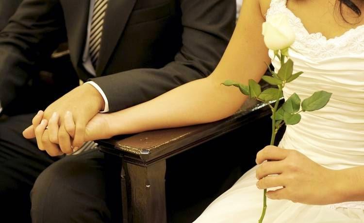 Pareja en Ritual de Matrimonio