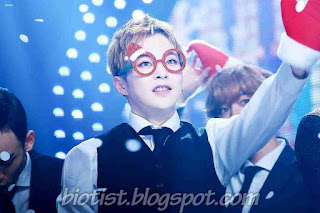 Photos of EXO Xiumin wearing a glasses