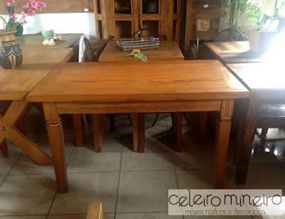 mesa tradicional semi rústica em madeira de demolição