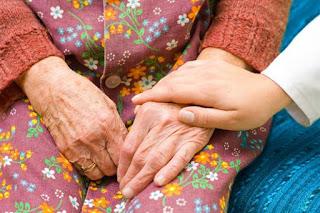 El cuidado de mayores, ¿cómo hacerlo?