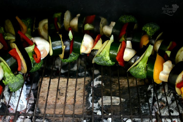 Pinchos de vegetales a la barbacoa