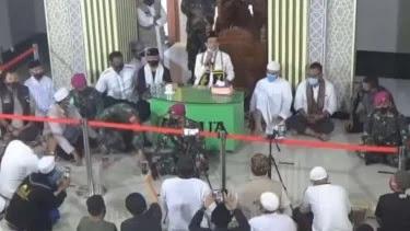 Ceramah di Lampung, Ustaz Abdul Somad Dijaga Marinir TNI Sampai Mimbar