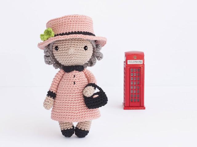 amigurumi-queen-elisabeth-reina-isabel-doll-muneca-crochet