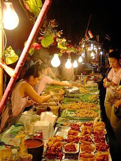 How to Visit Thailand on a Budget | The brilliant street food, Chiang Mai, Thailand