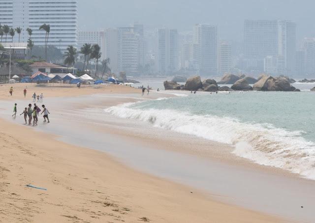 Se registra mar de fondo en playas de Acapulco