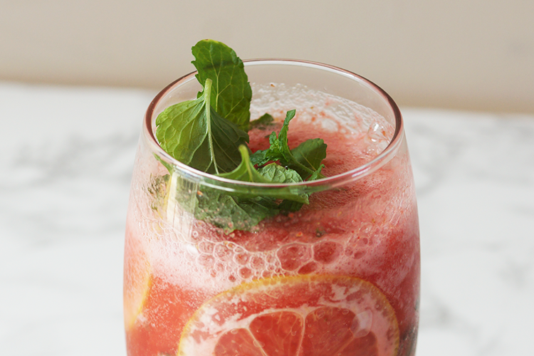 strawberry-mint-cooler-summer-recipe