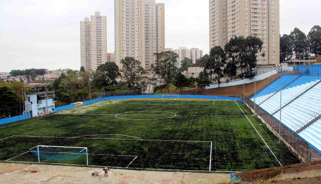 Futbolando de piso novo est dio municipal completa 21 anos for Piso xose novo freire