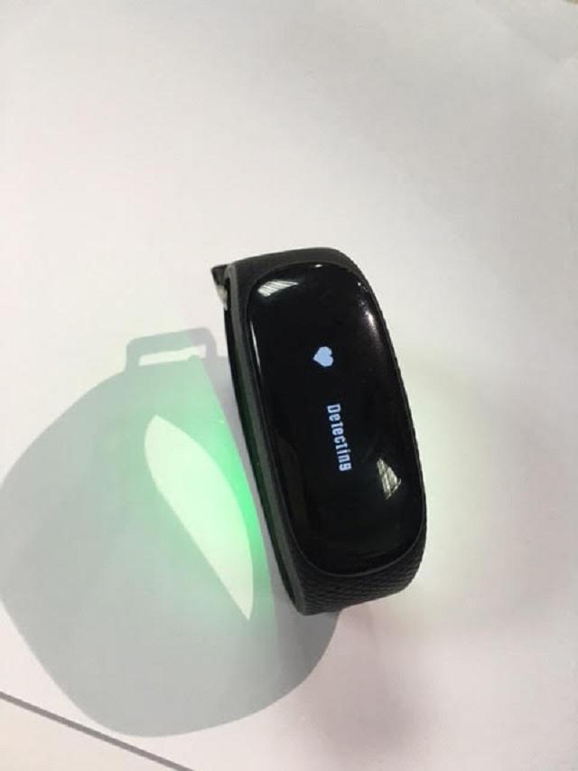 VTC Intecom ra mắt vòng đeo tay mTim