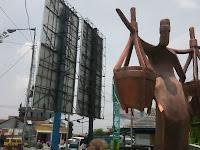 Simbol Dibalik Patung Penjual Lentog Tanjung