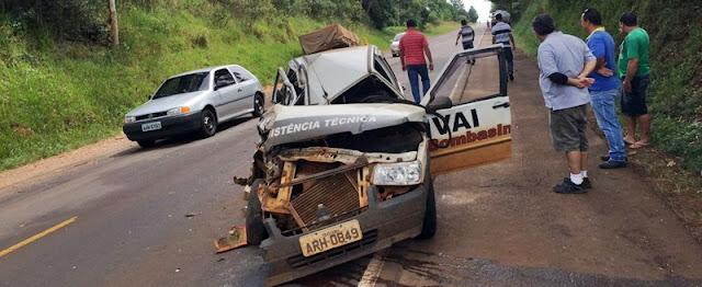Pitanga: Três veículos se envolvem em acidente na PR-466