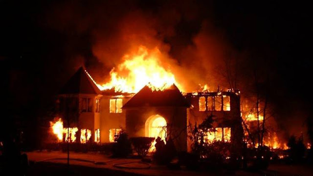 Two Escape Death As  EFCC Head Office In Abuja Engulfs In Flames