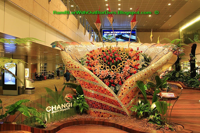 Glass sculpture, departure hall, T2, Changi airport, Singapore
