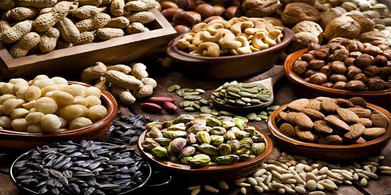 seleção de nozes e sementes