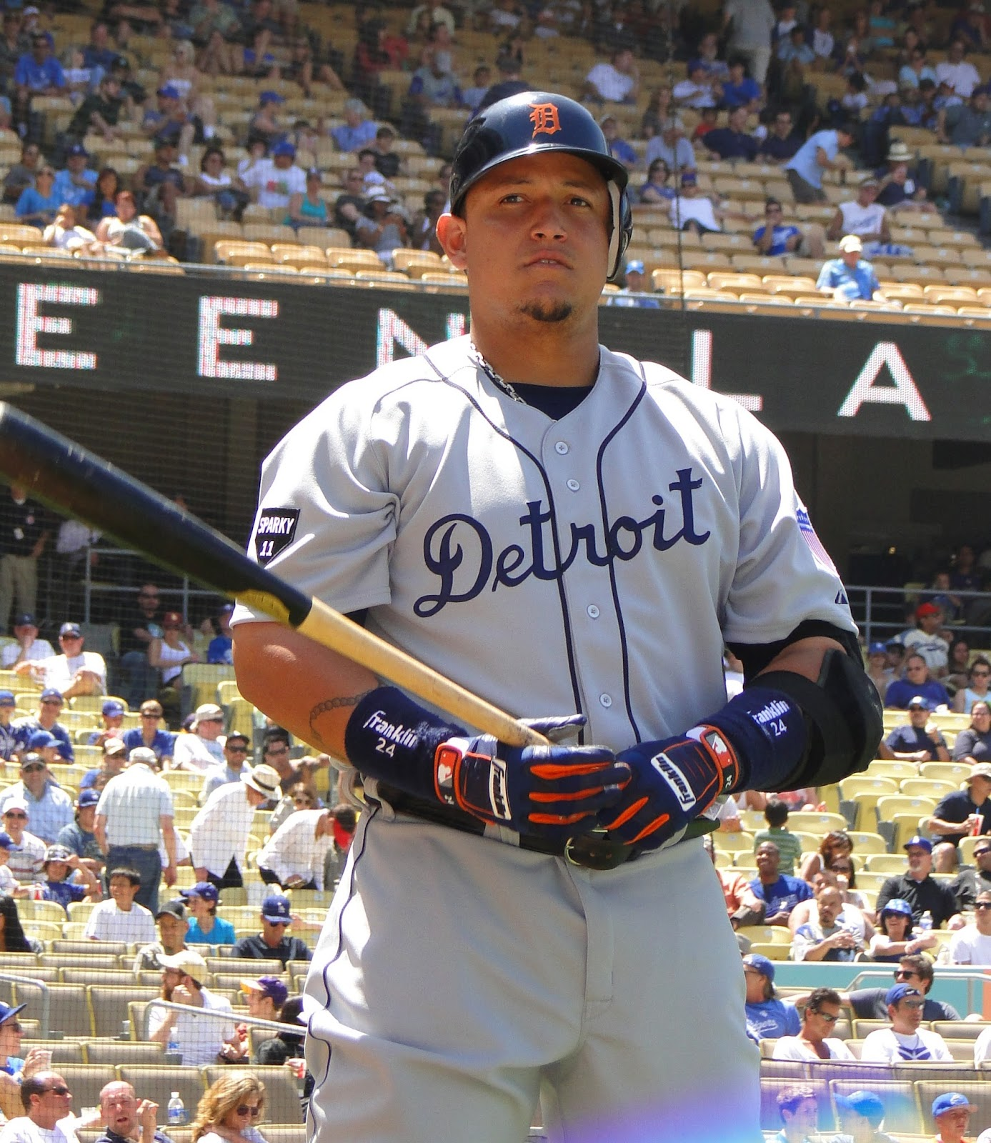 Biography of Miguel Cabrera | Baseball Player Biography Miguel Cabrera Father