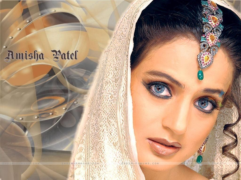 Amisha Patel Wallpaperamisha Patel Beautiful Wallpaper -2736