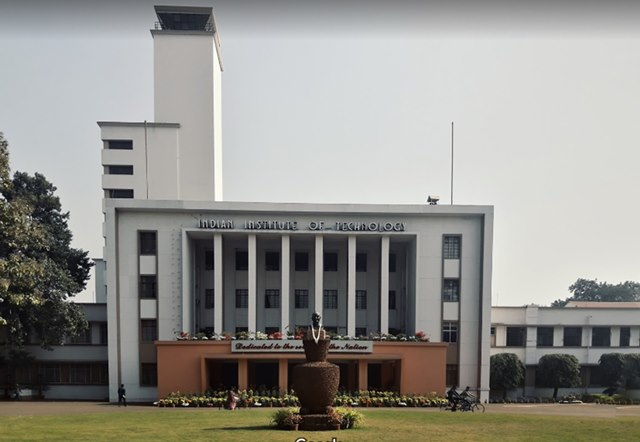 IIT Kharagpur Has Developed A Micro Needle, Which Is Thinner Than A Human Hair.