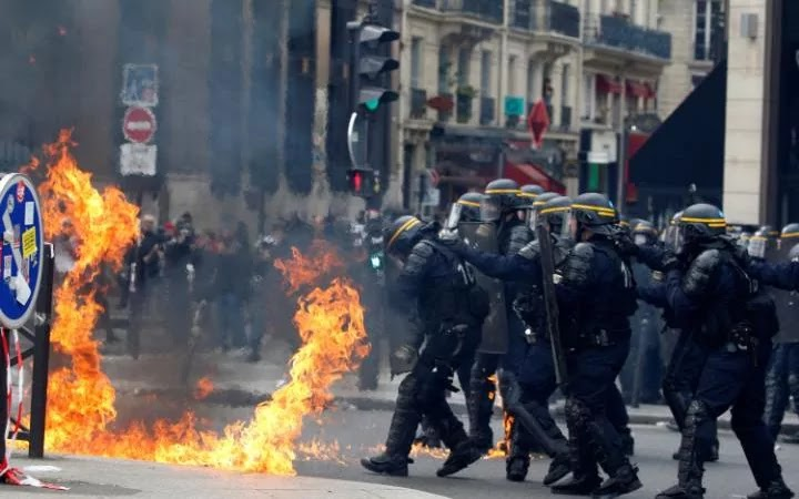 May 1: Three policemen injured in Paris clashes with youths