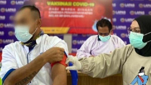 Warga binaan Lapas Banjarbaru jalani vaksinasi
