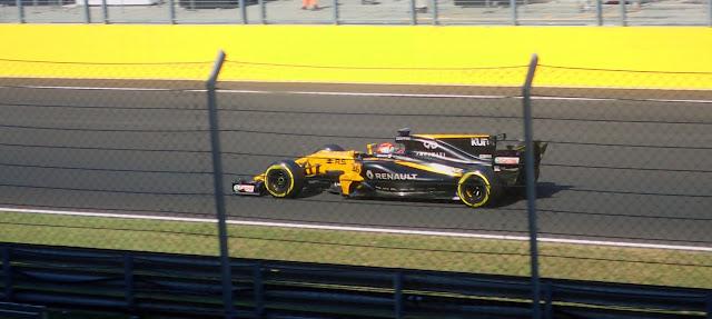 Robert Kubica w bolidzie Renault w trakcie testów w F1 w Budapeszcie, BudaTest