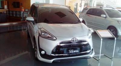 Simulasi Kredit Toyota Sienta