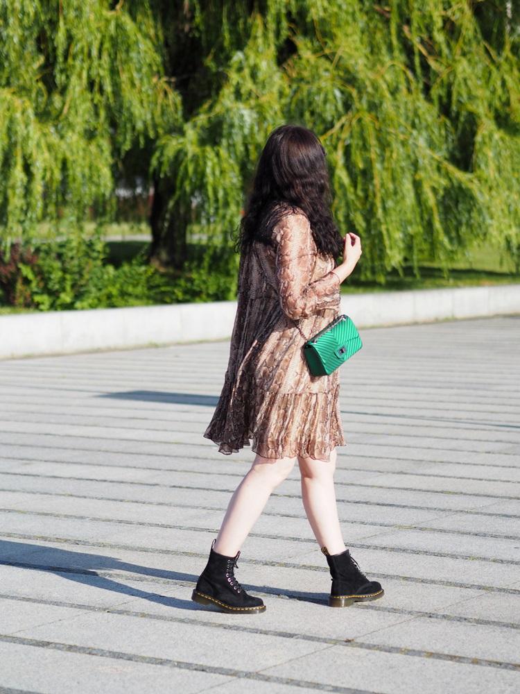 Sukienka z jedwabiu / the silk dress