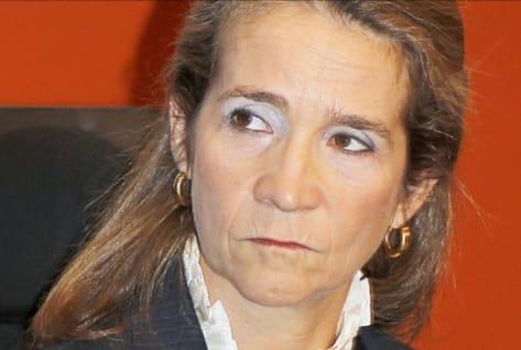 """Elena de Borbón interpreta """"Resistiré"""" como aportación a la lucha contra la pandemia"""