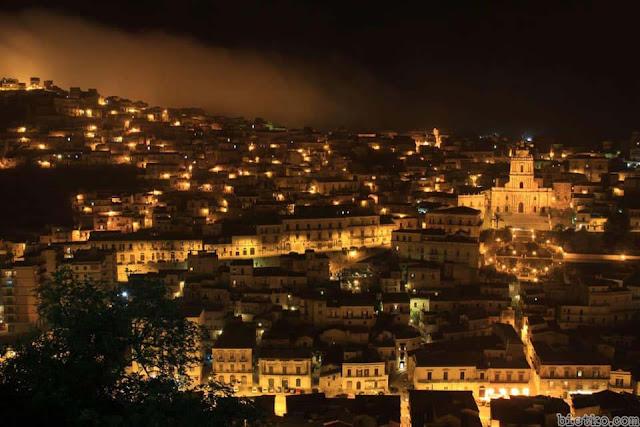 Sicily về đêm