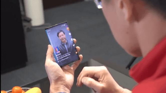 Xiaomi showcased foldable tablet/smartphone prototype