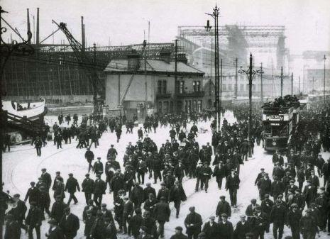 la-bourgeoisie-et-le-proletariat-les-ouvriers.jpg