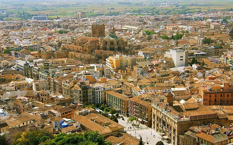 Granada: The Last Fortress of the Moors