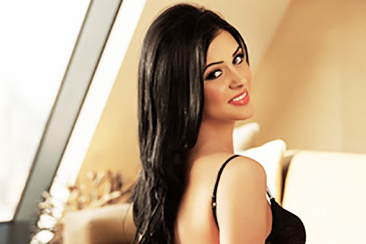 American-Cheap-Escort-In-Dubai