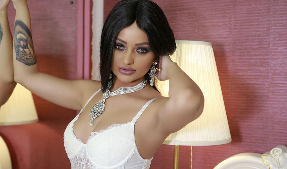 Maya000 Model GlamourCams