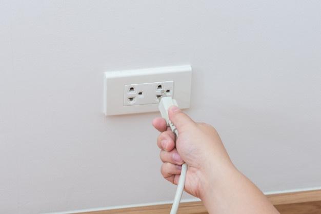 اغلاق الجهاز وفصل التيار الكهربائي  عنه إذا  لم يكن لديك عمل .