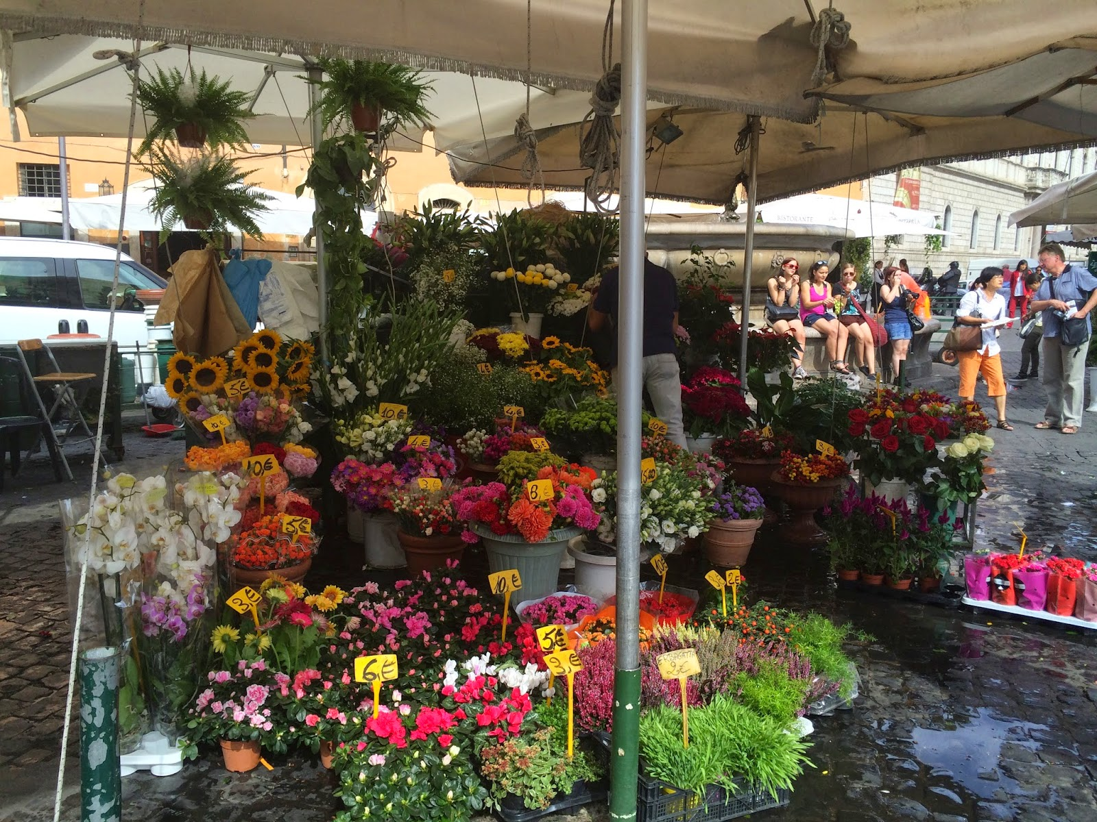 5-Things-I-Adore-About-Rome-Campo-Di-Fiori-Market