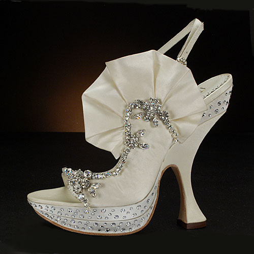 Celebrity Gowns Unusual Styles of Bridal Shoes