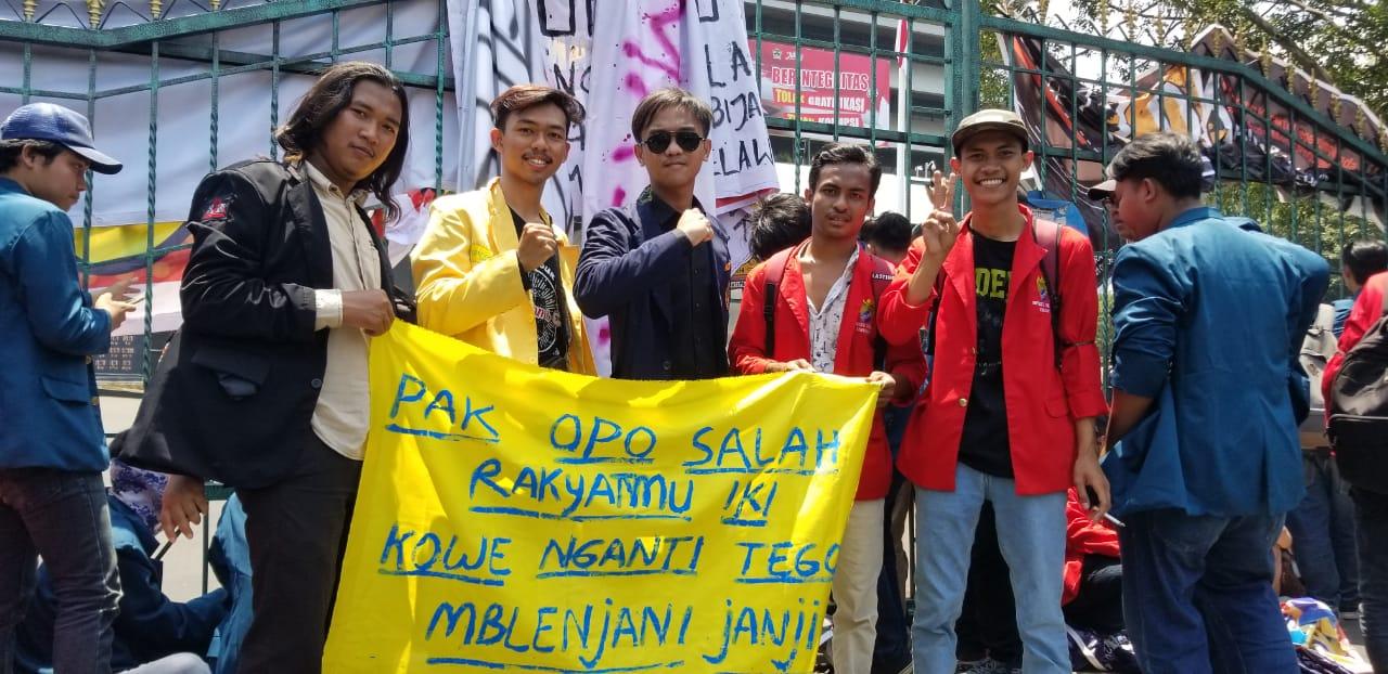 Demo Mahasiswa Universitas 17 Agustus 1945 (UNTAG) Semarang