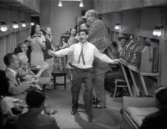 Una tarde en el circo (1939) Los Hermanos Marx | Comedia