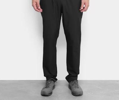 Calça masculina muito comprida