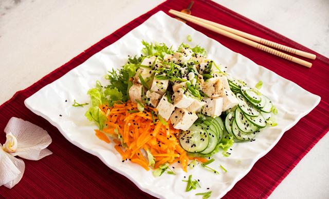 como preparar salada de tofu