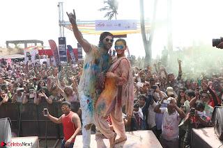 Alia Bhatt and Varun Dhawan Playing Holi at Zoom Holi Celetion 2017 (6).JPG