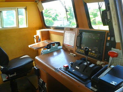 Ruang kerja seorang masinis KA