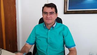 Em transmissão ao vivo prefeito Olivânio Remígio envia mensagem em defesa da democracia