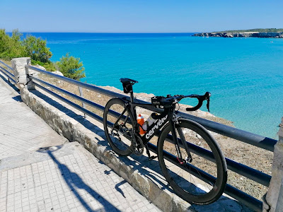 full carbon road bike rental in torre dell'orso cycling apulia puglia region southern Italy