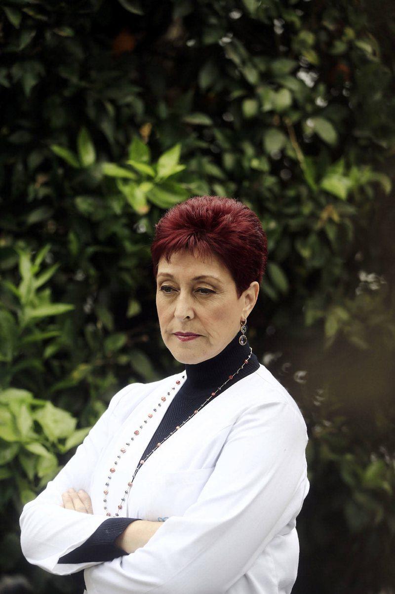 Doctora Carolina Herrera detalla qué hace un médico en la UCI